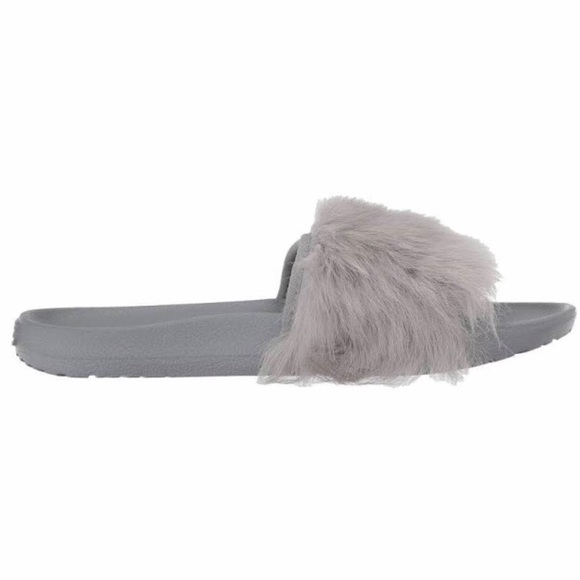 8c7a6bf4537 UGG women's Royale fur slides seal gray new in box NWT